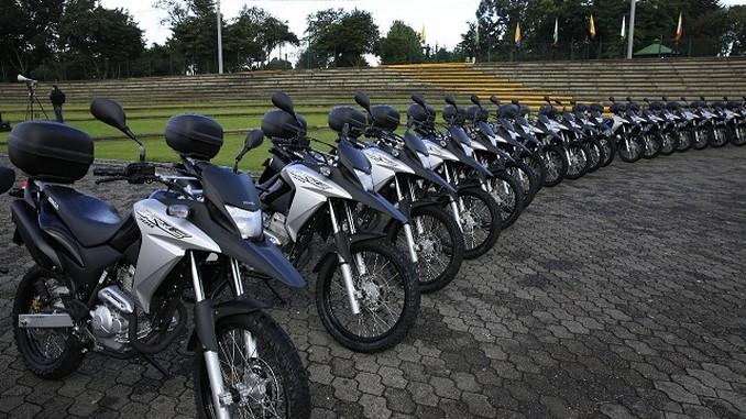 Policías, motos y vehículos llegan para reforzar la seguridad en Bogotá