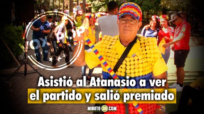 A punta de tapas don Jose hizo su pinta alusiva a la Seleccion Colombia