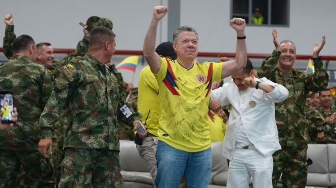 Santos celebra triunfo Colombia 2