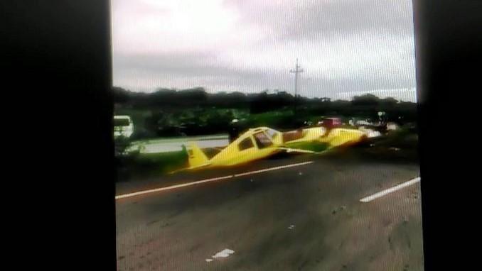 Avioneta de fumigación aterrizó de emergencia en la vía Carepa - Apartadó