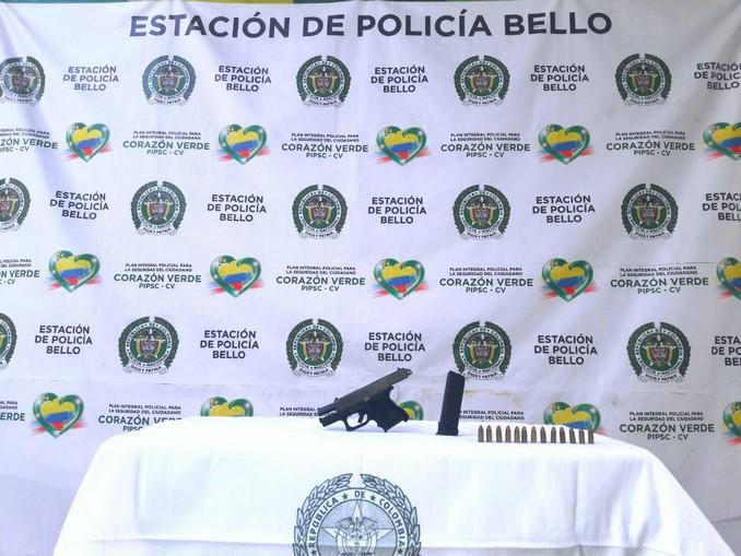 A menor de edad la Policía en Bello le incautó una pistola