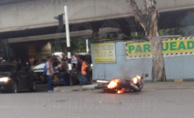 quema de moto 2