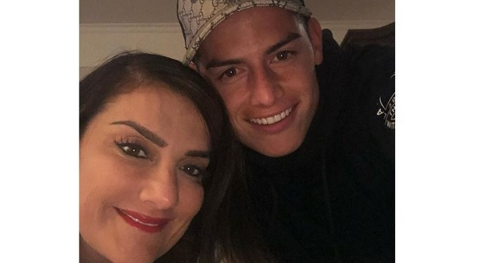 María del Pilar Rubio y su hijo, el jugador colombiano James Rodríguez/ Tomada de Instagram: @marjajua14