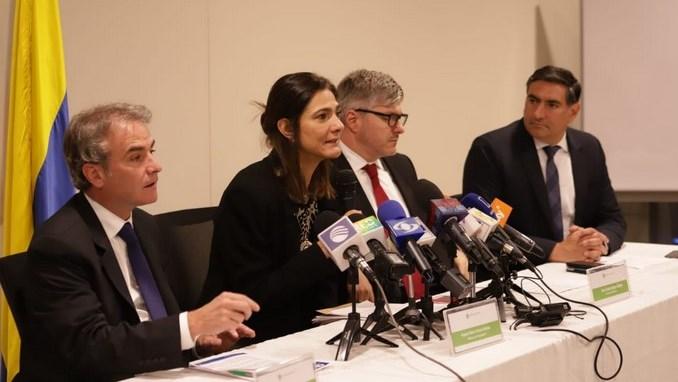 Aerocivil y Superindustria lanzan plataforma para acabar con lo abusos de las aerolíneas