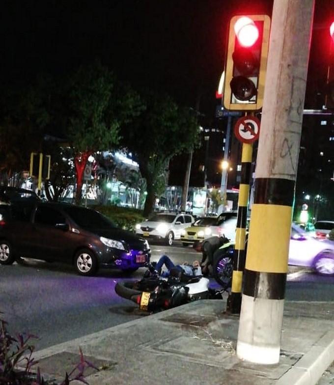 Accidente de tr%C3%A1nsito cerca de McDonalds de Las Vega 2