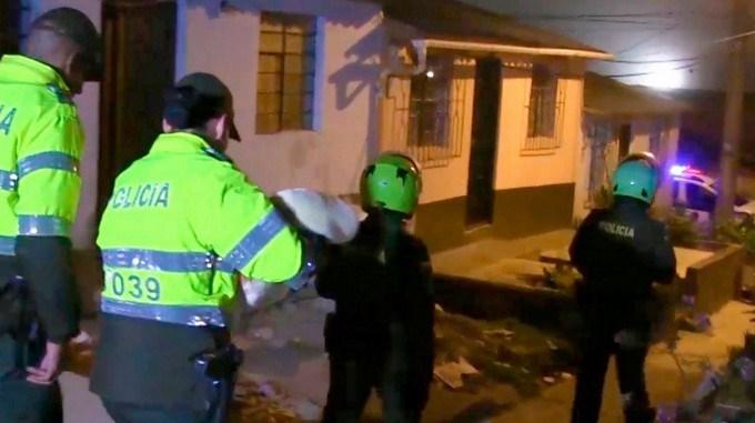 policia rescate recien nacida