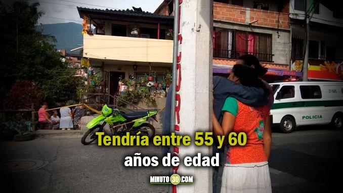 ENTRE 55 Y 60