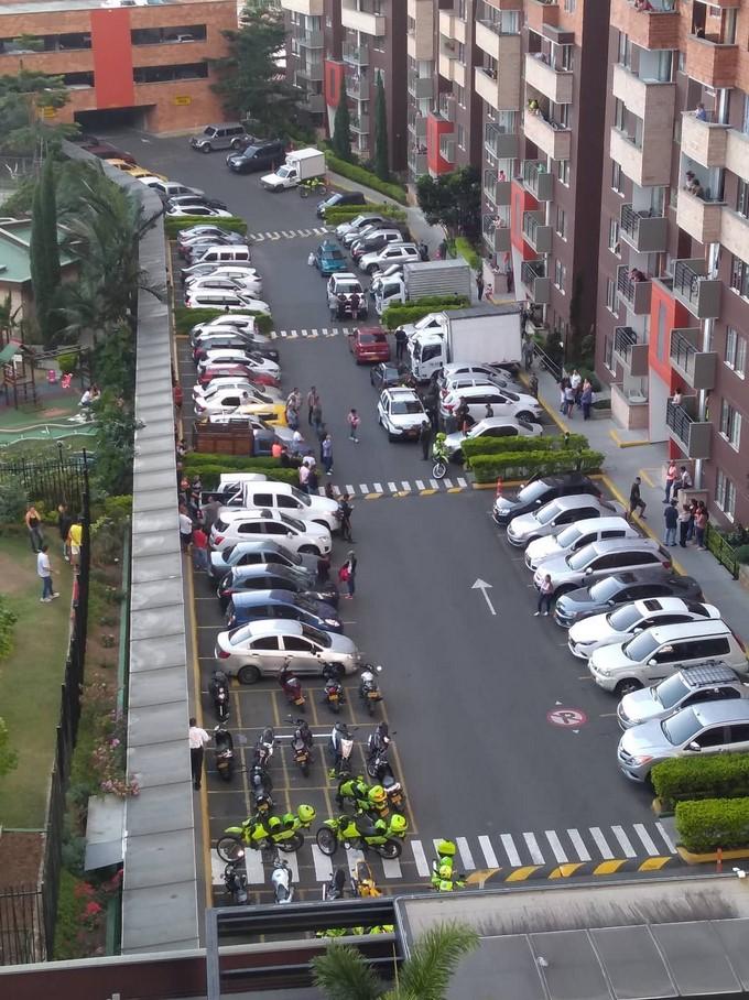 Tremendo operativo policial en una de las unidades del barrio Calasanz 2 copia
