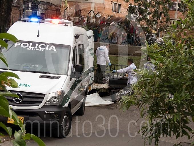 en fotos y video estaba decapitado el cuerpo que hallaron en un motocarro en bello15691
