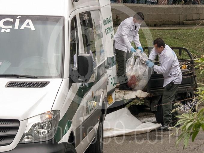 en fotos y video estaba decapitado el cuerpo que hallaron en un motocarro en bello1570