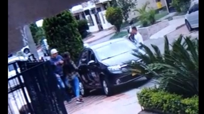 ladrones carro