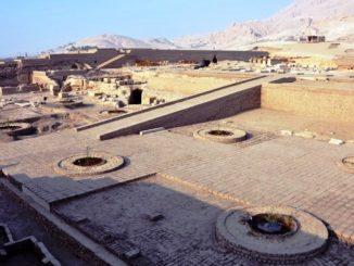 templo de Tutmosis III Copiar