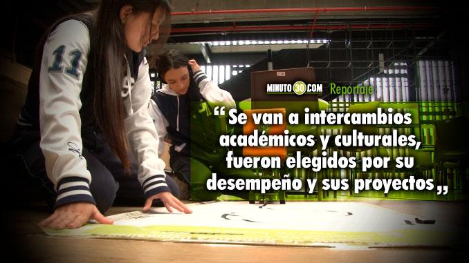 Estudiantes de colegios publicos se van para el extranjero de cuenta de la Alcaldia