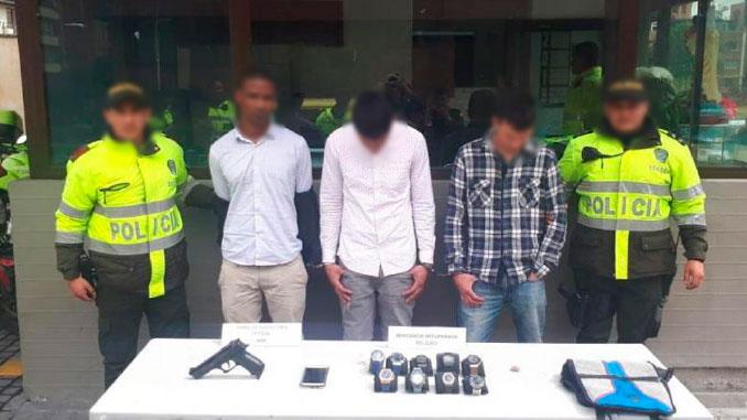 Venezolanos capturados por robar relojes en Bogota