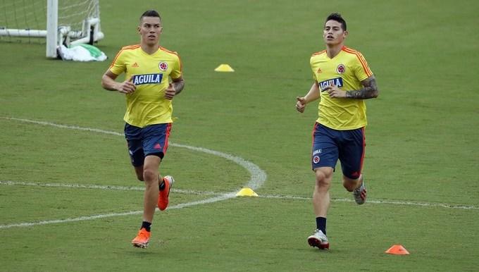Mateus Uribe junto a james rodriguez