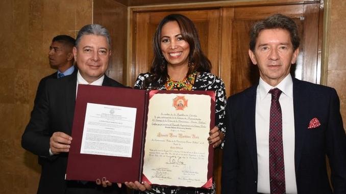 La gerente Indigena de Antioquia Llanedt Martinez Ruiz fue condecorada