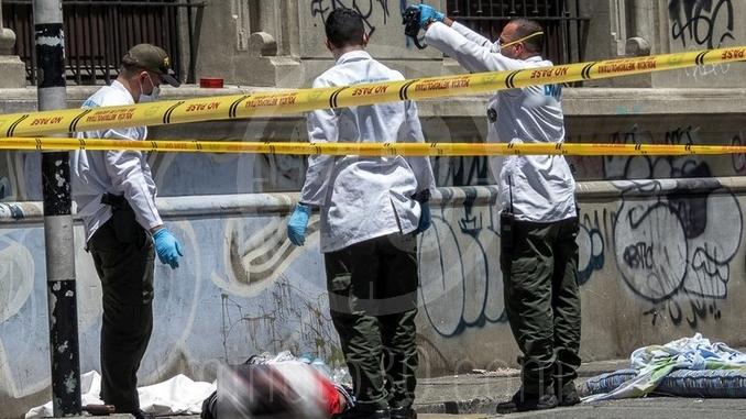 Hombre abandonado en el centro de Medellin 1