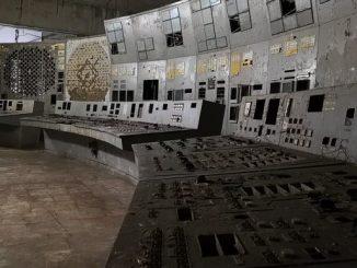 30 09 19 sala control reactor 4 chernobil