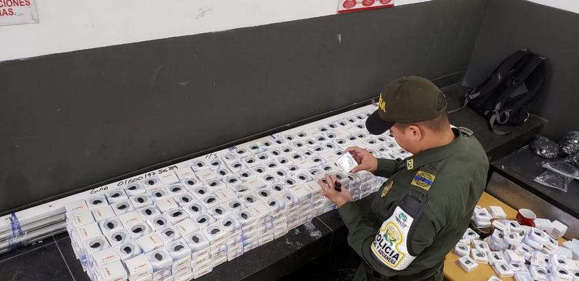 Contrabando incautado 28 mil articulos en Medellin1