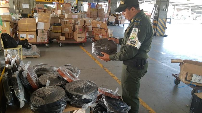 Incautan mercancia de contrabando en Medellin 2