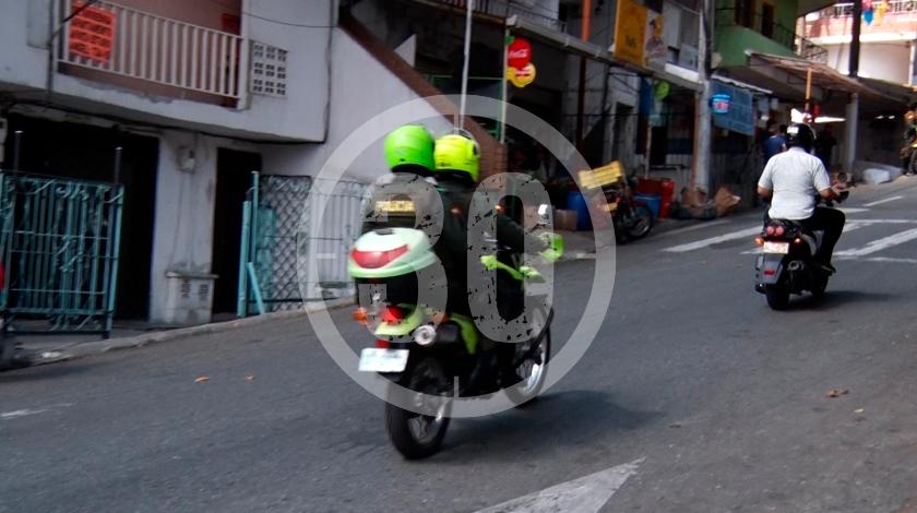 calle barrio castilla de medellin policias operativos2