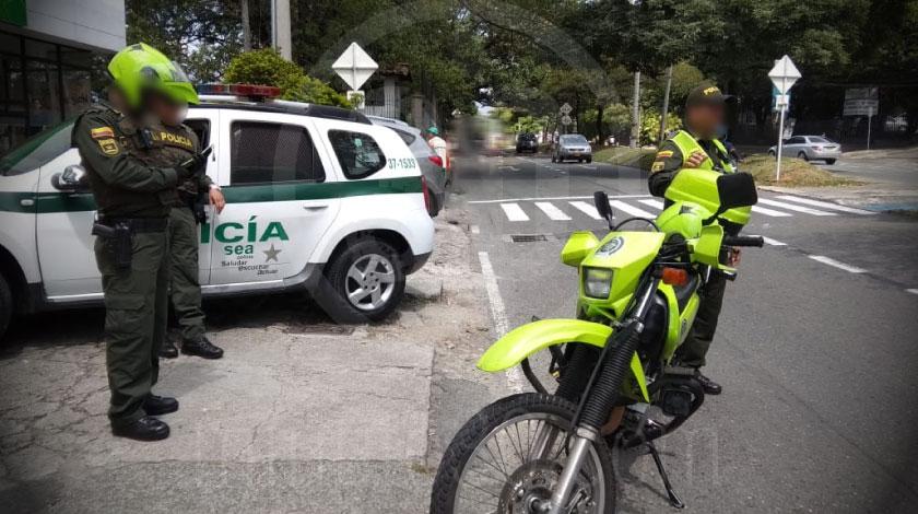 policias barrio el poblado operativo