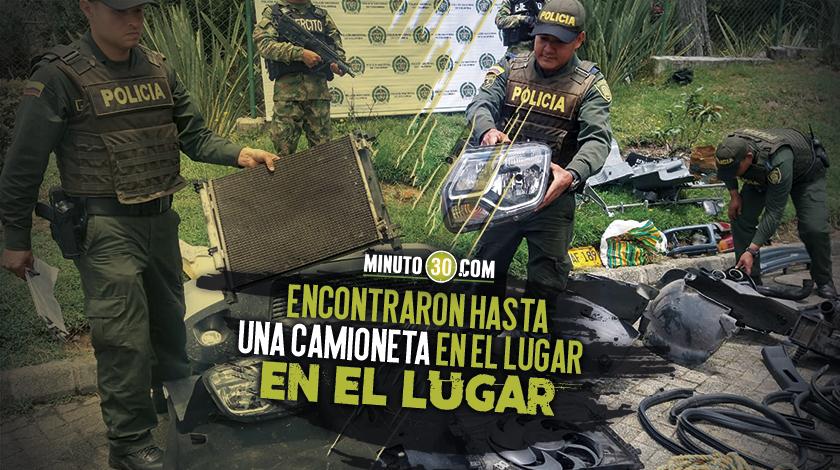 840 Vecinos en Santa Elena escuchaban ruidos extranos y encontraron un desguezadero de carros