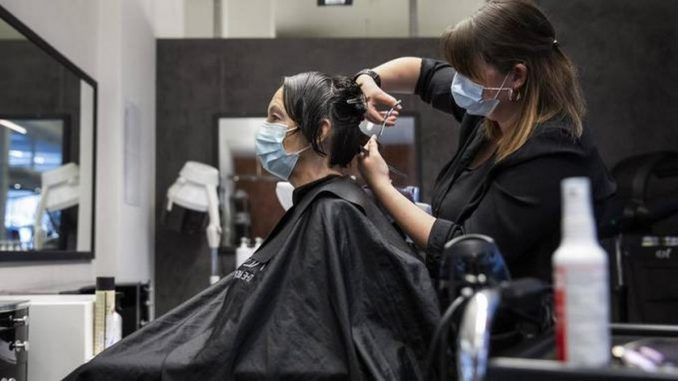 Recomendaciones para trabajadores y usuarios de peluquerías y centros de belleza