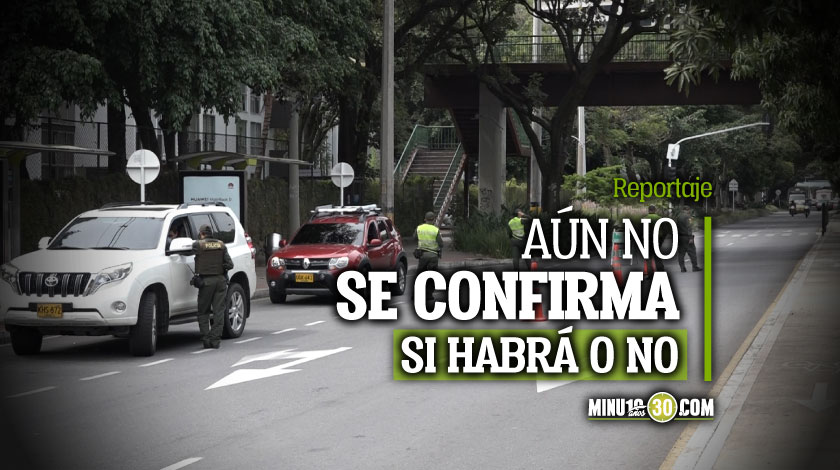 Policias preparados para un posible toque de queda en Medellin el fin de semana