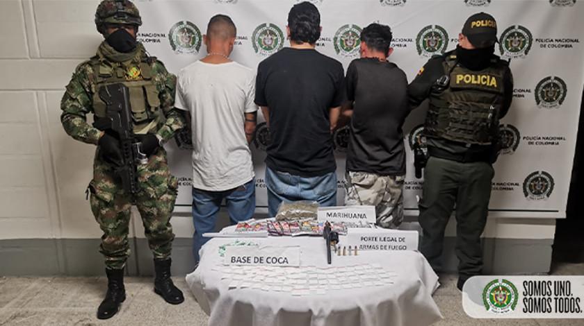 Sujetos capturados con droga en el barrio Kennedy de Medellin