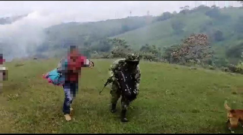 familia desplazada en Ituango 4