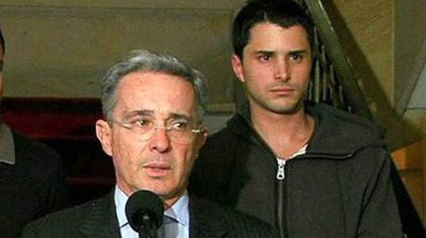 Alvaro Uribe Velez y su hijo Tomas Uribe Moreno