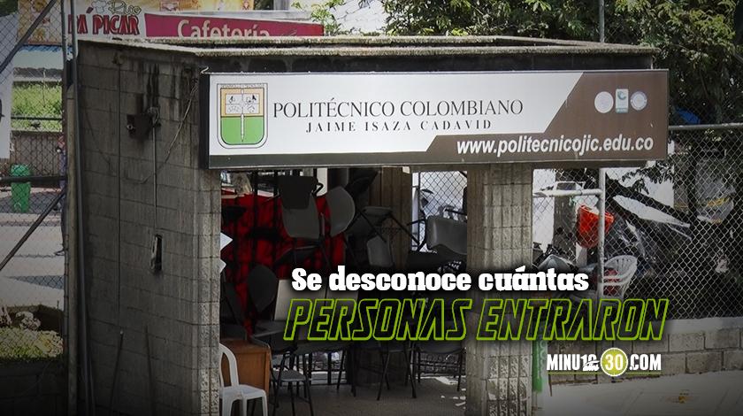 Video Se metieron Estudiantes que protestaban en el Poli se encerraron en un salon bloqueando las entradas