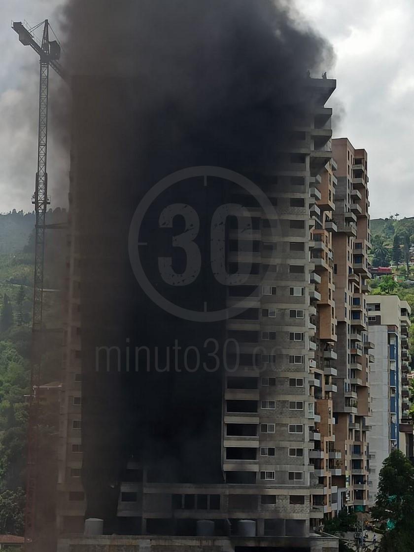 incendio en obra de sabaneta 13 08 2020 1