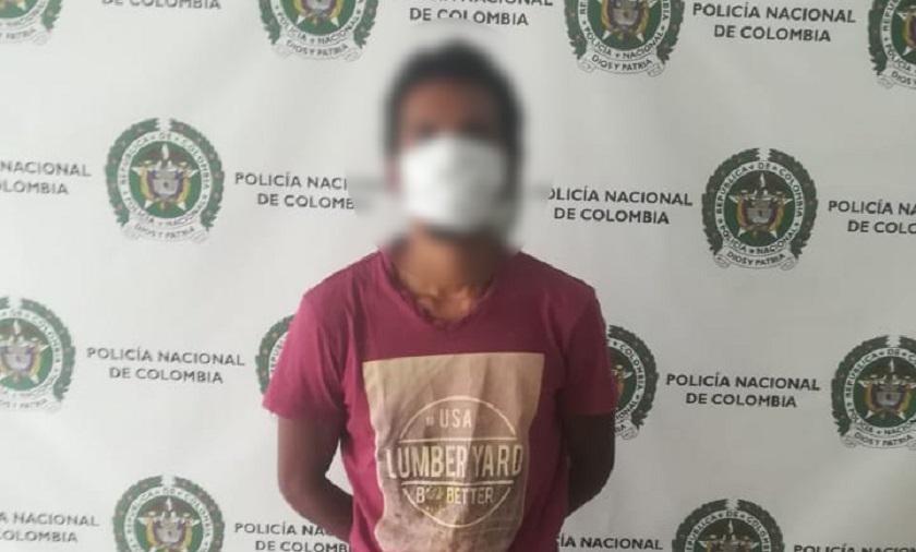 Capturado por la policía de Medellín este sujeto que le pegó a su abuela