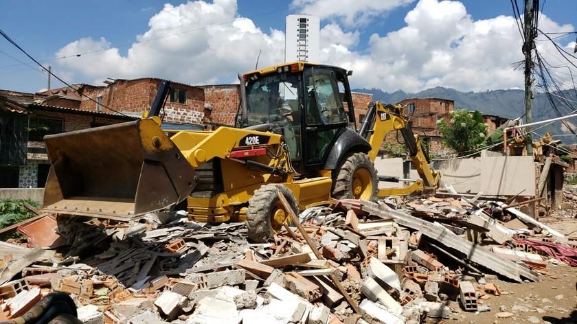 demolicion en bello 2