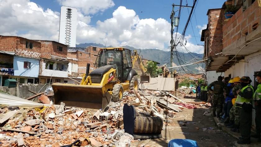 demolicion en bello 3