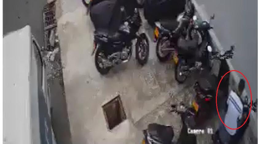 ladron de moto en el poblado
