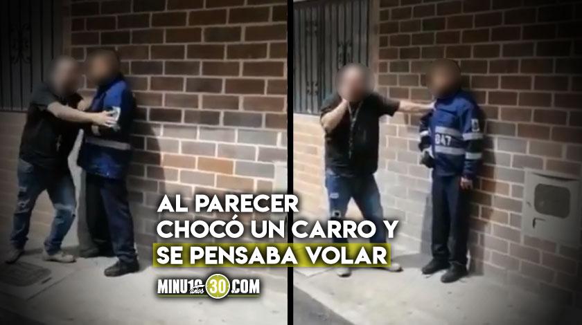 Agente de transito aparentemente borracho en el municipio de Sabaneta Antioquia
