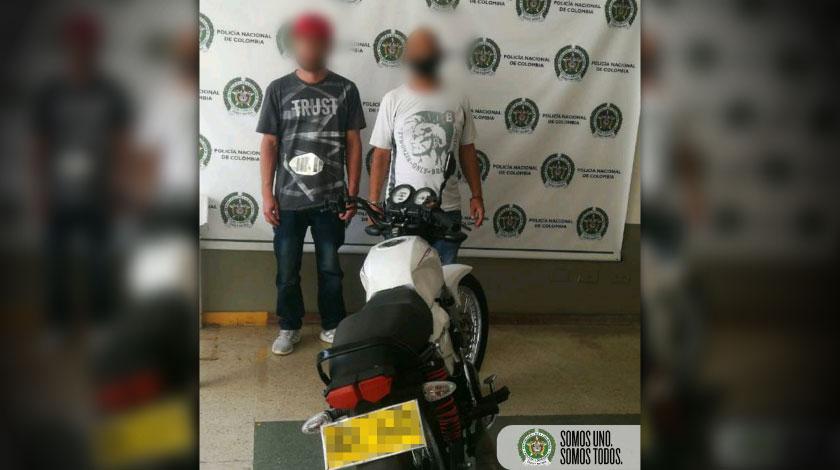 Capturados con moto robada en el barrio Manrique Medellin