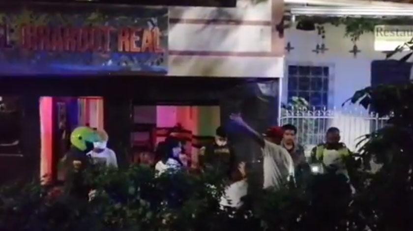 En pleno parque del periodista cogieron a dos pelaos robando al parecer venezolanos