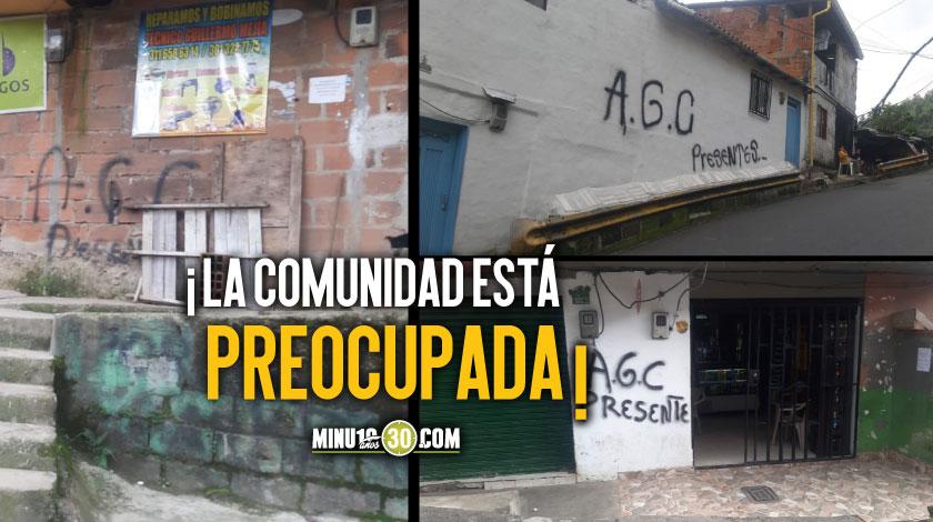 Aparecieron varios letreros de paramilitares en La Sierra comuna 8 de Medellin