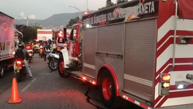 Accidente de tránsito en Sabaneta, una mujer murió y comunidad casi lincha a un conductor