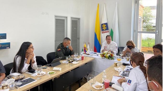 En la Comuna 13 de Medellín hay una reducción del 50% de los homicidios debido a la desarticulación de bandas: Fiscal General