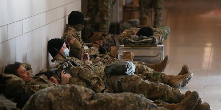 soldados capitolio covid1