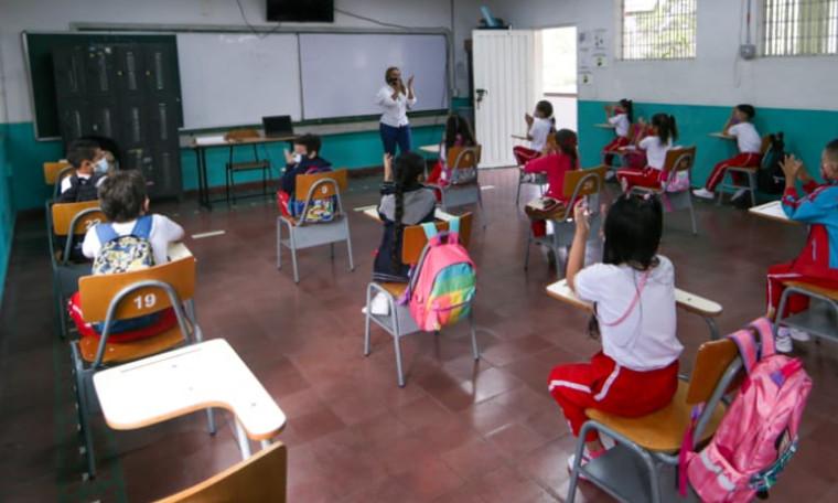Medellín avanza en alternancia, ya van 117 colegios comprometidos
