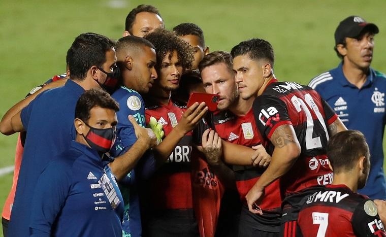 El Flamengo levanta su octavo título y amenaza récords de Palmeiras y Sao Paulo