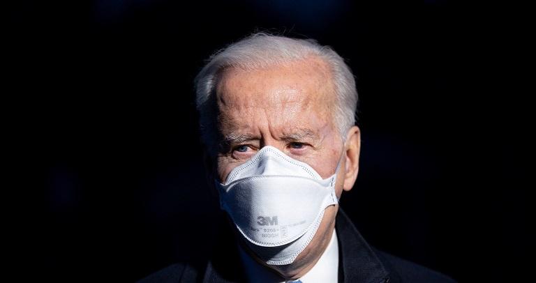 """Biden prioriza el rescate económico y la pandemia, tras el """"impeachment"""""""