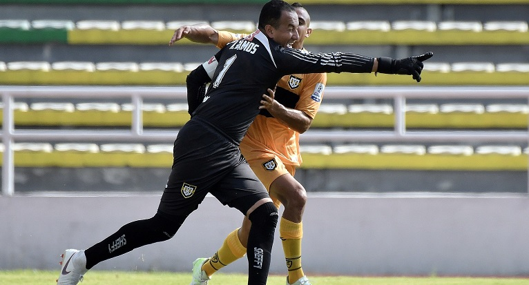 Nelson Ramos, a sus 39 años es el máximo goleador del torneo de ascenso