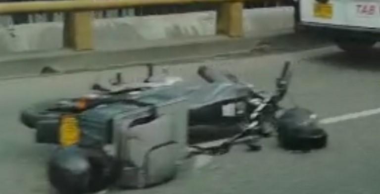 Choque motos vía Distribuidora Av. Regional